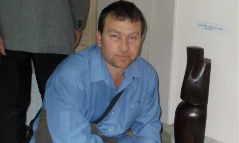 Дърворезбарят Явор Петков:
