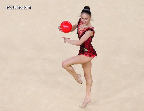 Невяна Владинова спечели медал на Световното първенство по художествена гимнастика