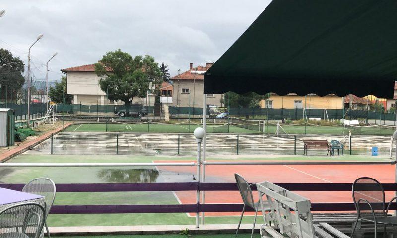 Съветниците връщат тенис кортовете на Общината