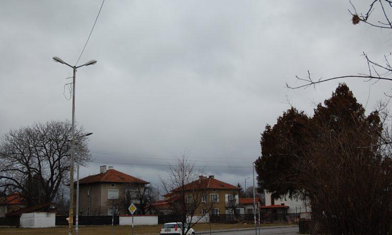Във вторник – студ и бурен вятър, опасно време в цяла България