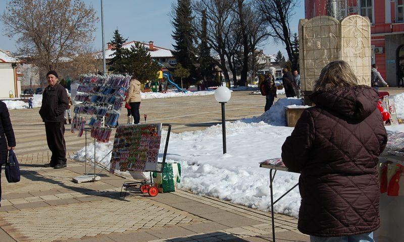 Променливо време през март – зима и пролет през ден