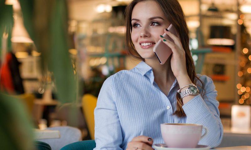От днес телефонните разговори в ЕС стават по-евтини