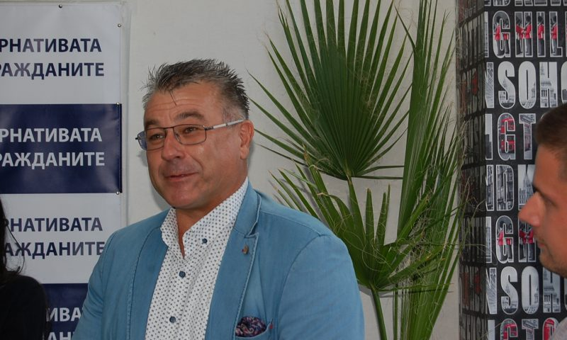 Икономистът Бисер Манолов: Вмешателството на политиката в бизнеса е тотално